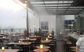 广州琶醍啤酒创意园露天酒吧喷雾降温