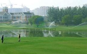 高尔夫球场花草喷灌